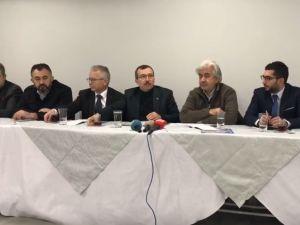 Milletvekili Uğur Aydemir ve Belediye Başkanı Salih Hızlı, Basınla Spor Toto Akhisar Belediye Stadyumunda kahvaltıda buluştu