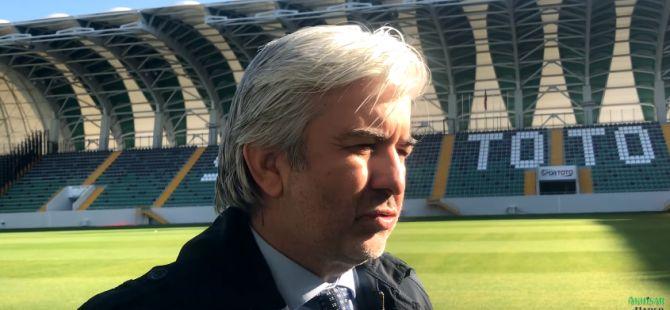 Akhisar Belediye Başkanı Salih Hızlı, Meclis üyeleri ile birlikte yeni stadyumda kahvaltıda buluştu