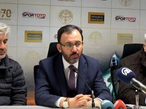 Spor Toto Teşkilat Başkanı, Spor Toto Akhisar Belediye Stadyumunu ziyaret etti