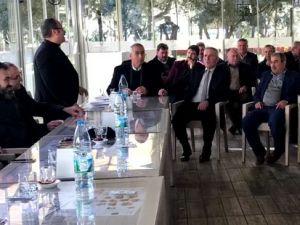 Millletvekili Uğur Aydemir, İlçe Başkanı İbrahim Sayın ve Belediye Başkanı Salih Hızlı muhtarlarla buluştu