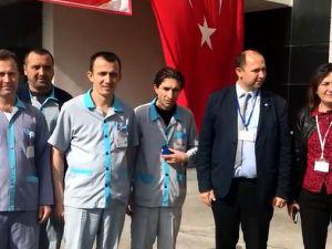 Akhisar'da hastane çalışanlarından Zeytin Dalı Harekatı Şehitleri için lokma hayrı