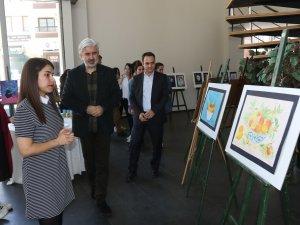 Akhisar Belediyesi Sanat Atölyesi Çocuk ve Genç Resim sergisi açıldı