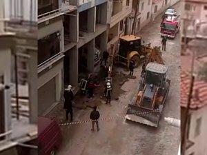 Akhisar'da yolda çalışma yapılırken doğalgaz boru hattı patladı!