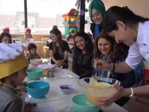 Akhisar Tıfıl Akademi'de pasta atölyesi