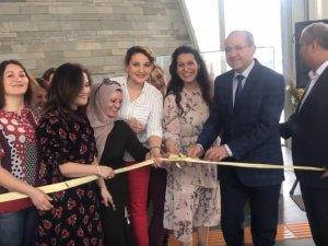 Akhisar Belediyesi Sanat Atölyesi Mutluluk Atölyesi isimli sergi açılışı