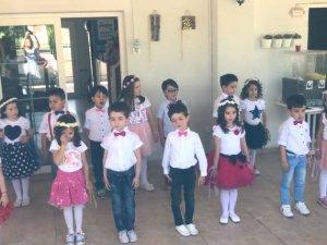 Akhisar Misak ı Milli Anaokulu Minik Kalpler Sınıfı 2017 2018 eğitim yıl sonu mezuniyet programı