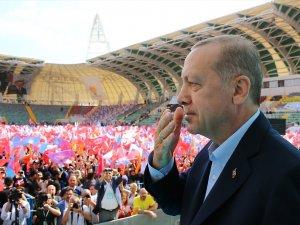 Cumhurbaşkanı Recep Tayyip Erdoğan, Spor Toto Akhisar Belediye Stadyumunda Akhisarlılara seslendi