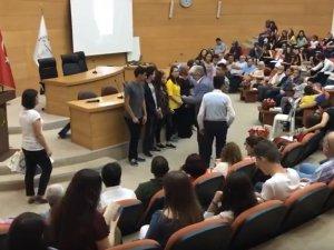 Akhisar Belediyesi Sanat Atölyesi Şeyh İsa Yazarlık Okulu belge takdim töreni