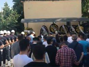 Manisa'da görevi başında kalp krizi sonucu hayatını kaybeden polis memuru Akhisar'da son yolculuğuna