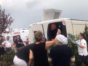 Akhisar'da yolcu otobüsü devrildi: 1 ölü, 41 yaralı