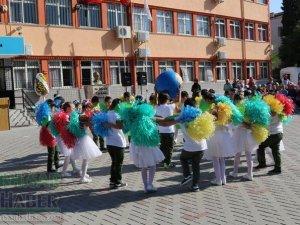 Akhisar'da 2018-2019 İlköğretim Haftası Ticaret Odası İlkokulunda kutlandı