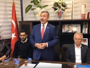 Manisa Büyükşehir Belediye Başkan Aday Adayı Selçuk Özdağ, Akhisar teşkilatını ziyaret etti