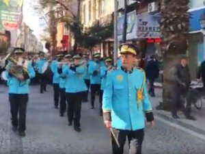 Dünya Zeytin Günü Akhisar'da yürüyüş eşliğinde başladı