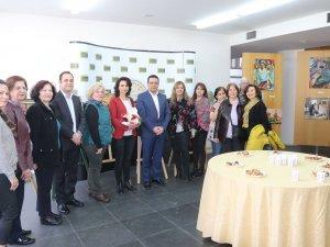 Akhisar Belediyesi Sanat Atölyesi Kelebek etkisi isimli resim sergisi açıldı