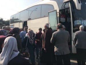 Akhisarlı Umre adayları kutsal topraklara yolcu edildi