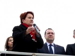 İYİ Parti Genel Başkanı Meral Akşener, Akhisar'da vatandaşlara seslendi