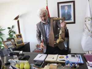 Akhisar Belediye Başkanı Salih Hızlı, Halk Oyunları Ekibini konuk etti