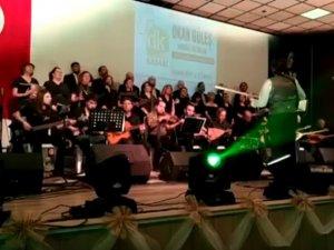 Akhisar Sanat Dostları Derneği Türk Halk Müziği Korosu Konseri