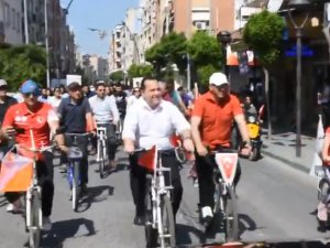 Akhisar Cumhuriyet Mesleki Teknik Anadolu Lisesi 19 MAyıs 100 yıl Bisiklet şehir turu