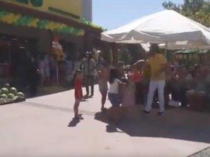 Akhisar Ali Pehlivanoğlu marketi açıldı