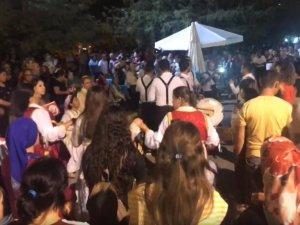 Akhisar Balkan Göçmenleri Derneği gecesinde Gölet doldu taştı