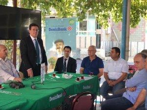 Denizbank Mobil Şube Akhisar Dereköy Mahallesi üreticileri ile buluştu