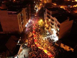 Akhisar Fener Alayı coşkusu dev bayrakla yaşandı