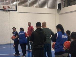 Akhisar Belediyesi'nden özel çocuklar basketbol eğitimi