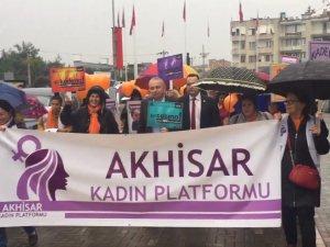 Akhisarlı kadınlar kadına şiddete hayır farkındalık yürüyüşü